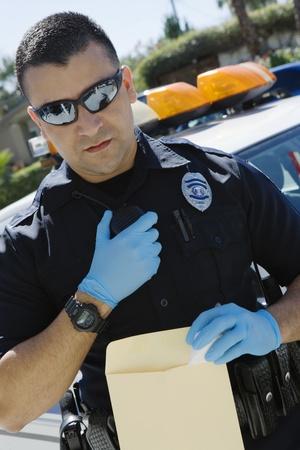 policier: Officier de police l'aide Two-Way Radio
