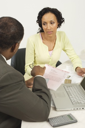 chartered accountant: Accountant Talking with Client LANG_EVOIMAGES