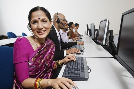 40 to 45 year olds: Customer Service Reps in Call Center