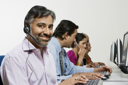45 to 50 year olds: Customer Service Reps in Call Center