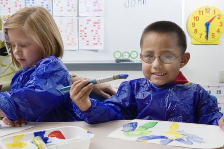racially diverse: Elementary Students Painting LANG_EVOIMAGES