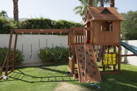 domesticity: Play Equipment in Backyard LANG_EVOIMAGES