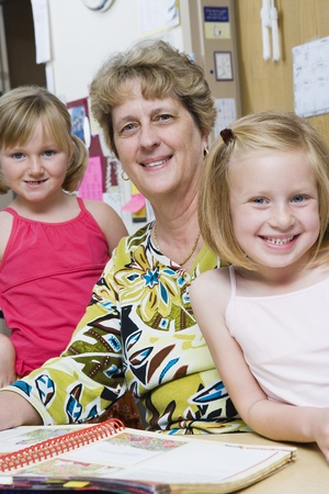 6 7 year old: Teacher with Elementary Students