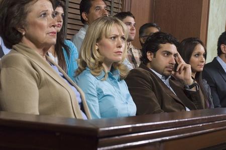 jurado: Los miembros del jurado durante el juicio