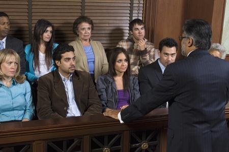 jurado: Fiscal frente a un jurado