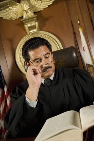 orden judicial: El juez de lectura en la corte