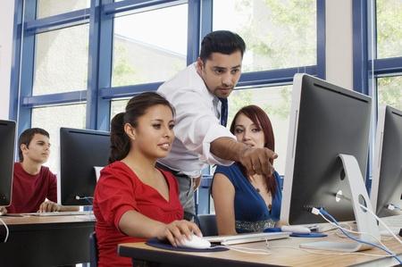 training: Leraar iets uit te leggen aan studenten LANG_EVOIMAGES