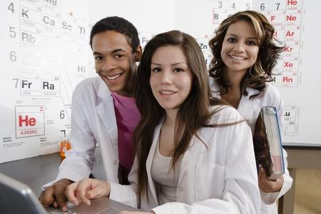 理科の授業で学生 写真素材