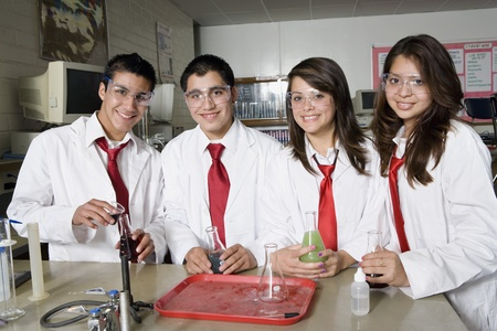 17 year old: High School Students in Science Class LANG_EVOIMAGES