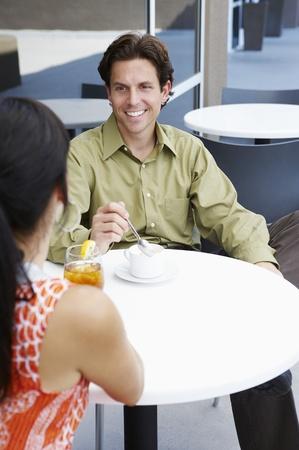 seres vivos: Pareja en un café LANG_EVOIMAGES