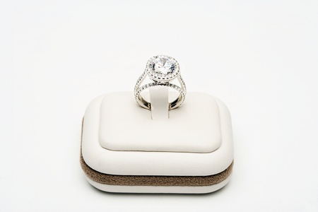 Platinum ring with 5 carat centre diamond surrounded by full cut 0,80 carat diamonds Stock Photo - 12738399