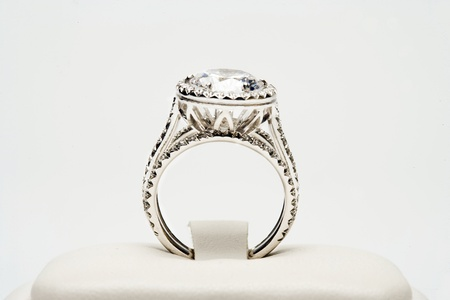 Platinum ring with 5 carat centre diamond surrounded by full cut 0,80 carat diamonds Stock Photo - 12738400