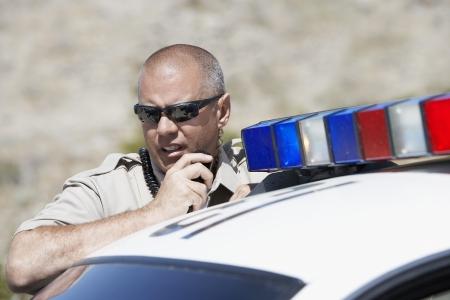 policier: Policier sur Two-Way Radio