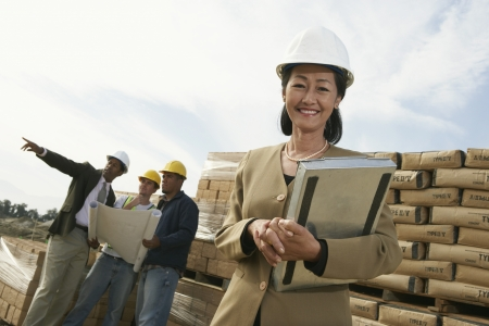labor relations: Peritos del sitio de construcci�n