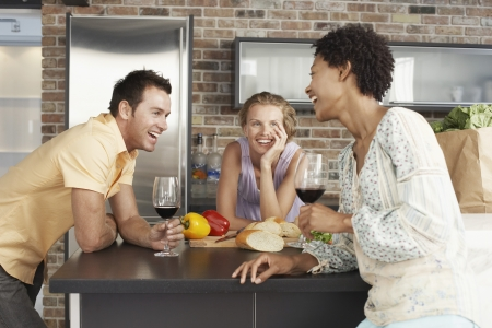 social apartment: Friends in Kitchen