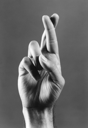 crossing fingers: Fingers Crossed LANG_EVOIMAGES