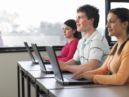 computer use: College Students Using Laptops