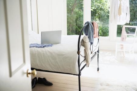 hanging around: Ropa que cuelga alrededor Dormitorio