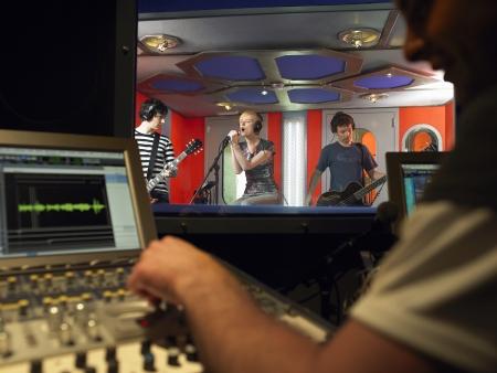 estudio de grabacion: Banda en estudio de grabación