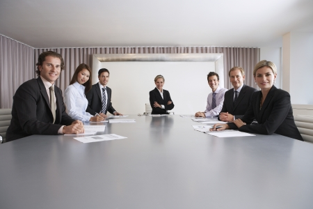 bussiness man: Businesspeople in Conference Room LANG_EVOIMAGES