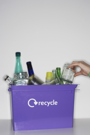 garbage collector: Caja con recycleables