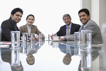 Porträt von Geschäftspartnern während der Sitzung