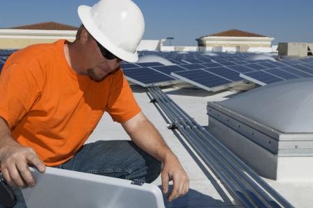 ingenieur electricien: Ing�nieur �lectricien de travail � Solar Power Plant LANG_EVOIMAGES
