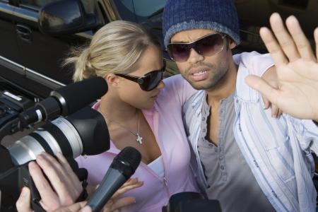 disrespect: Celebrity couple and paparazzi