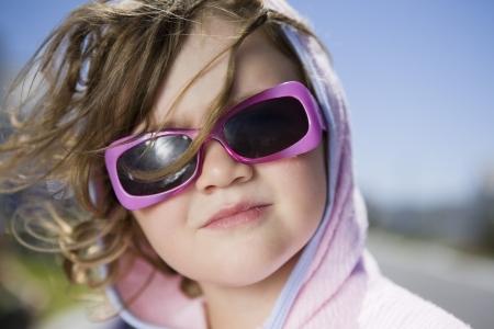 casual hooded top: Sud�frica Ciudad del Cabo chica con gafas de sol retrato LANG_EVOIMAGES