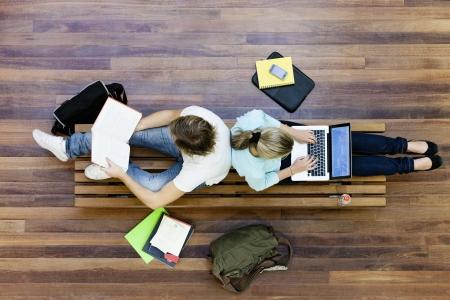 edukacja: Studentów studiujących z góry