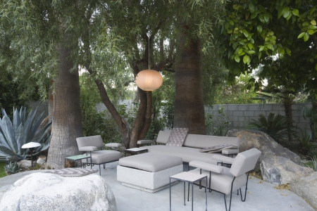 palm springs: Outdoor garden furniture in Palm Springs home LANG_EVOIMAGES