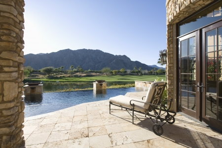 showhome: Sunlounger with view of mountains in Palm Springs Riverside County California