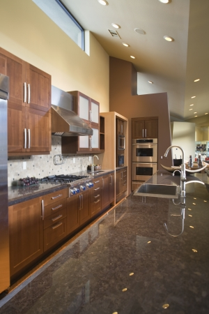 fitted unit: Marble topped kitchen counter LANG_EVOIMAGES
