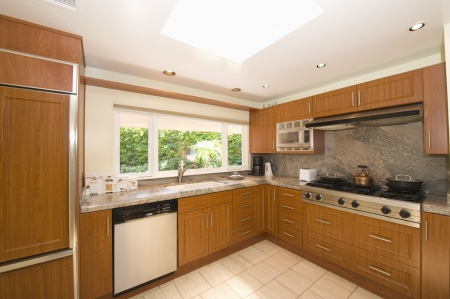 fitted unit: Wooden fitted kitchen units LANG_EVOIMAGES