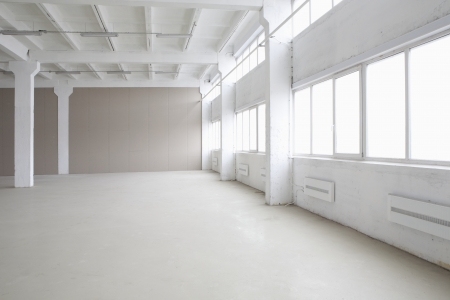 empty warehouse: Empty warehouse LANG_EVOIMAGES