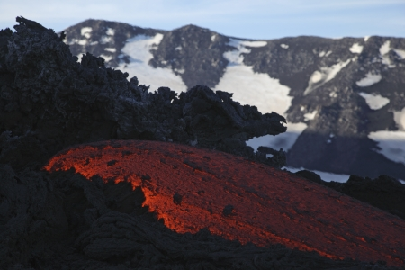 bove: Molten lava flows from Mount Etna in Sicily Val de Bove LANG_EVOIMAGES
