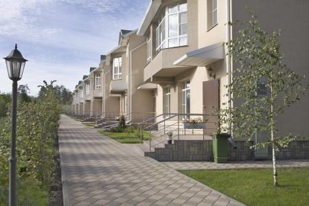 neighbours: Footpath in new housing development