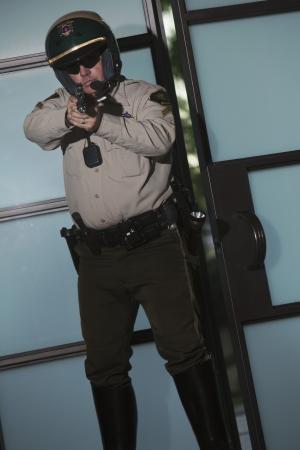 patrolman: Nightwatch patrolman with handgun LANG_EVOIMAGES