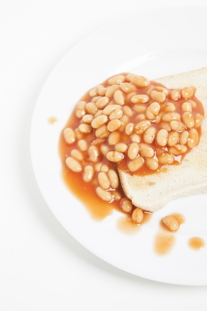baked beans: Baked beans and bread in plate LANG_EVOIMAGES