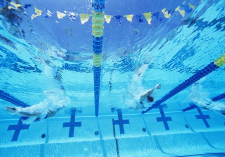 lane marker: Underwater view of professional participants racing in pool LANG_EVOIMAGES