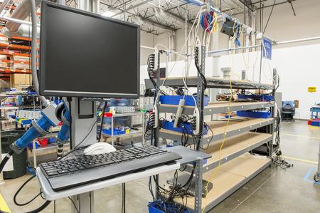 製造業でのデスクトップ コンピューター