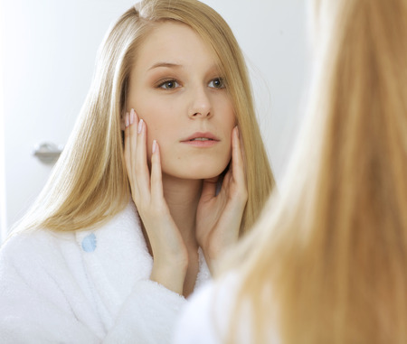 reflexion: Woman reflexion in mirror