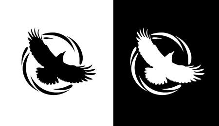 Logos in Schwarz und Weiß mit Silhouette of Rook. Fliegen des Raben im runden dekorativen Ring. Vektorembleme lokalisiert auf weißem Hintergrund.