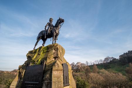 greys: Royal Scots Greys Memorial Statue on Princes Street, Edinburgh, United Kingdom.