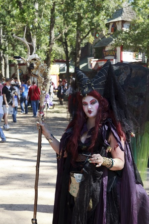 MISSION, TX - OCTOBER 2009: Women performer working at the Texas Renaissance Festival, known as the largest in the state and taken on October 17, 2009 in Mission, Texas. Stock Photo - 12993642