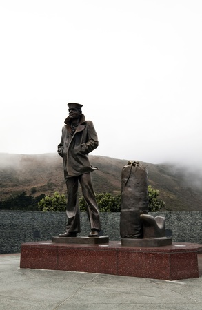 SAN FRANCISCO, CALIFORNIA - NOVEMBER 2010: The Lone Sailor Statue is located at the north end of Golden Gate Bridge and made of bronze.  This statue is dedicated to anyone who ever sailed past this point in the service of their country.  The statue was in Stock Photo - 13161704