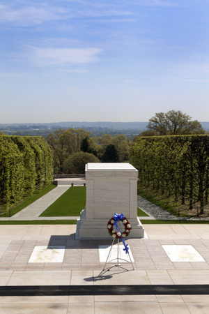 tomb of the unknown soldier: The tomb to unknown soldier in Arlington Cemetery in Virginia, USA Editorial