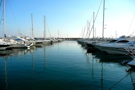 both sides: Boats in a Marina showing on both sides of the picture