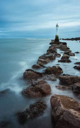 Long time exposure of Lighthouse in Low Tide in Shaldon in Devon in England, UK, Europe Banque d'images