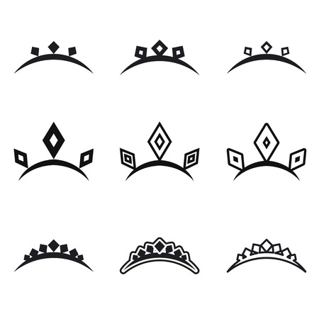 Corona Cuento De Hadas En Estilo Del Tatuaje Dibujado A Mano